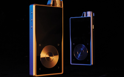 Questyle QP2R Digital Audio Players in Gold and Grey
