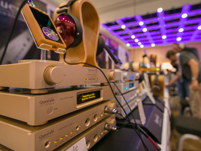 Questyle QP2R and Gold Reference Stack with Fostex TH900 headphones
